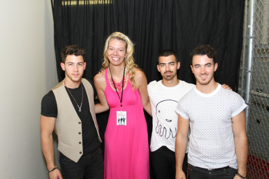 sama and jonas bros